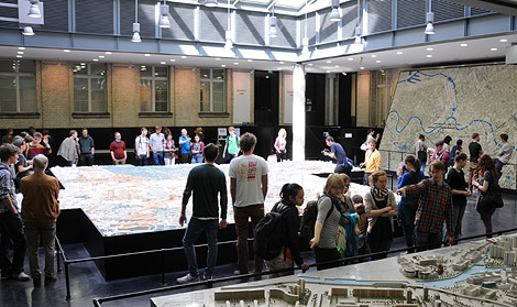 Exhibition of the Berlin city models in the AKP-atrium